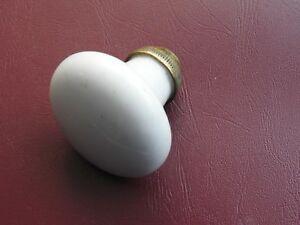 Ancien bouton poignée de porte fenêtre en porcelaine