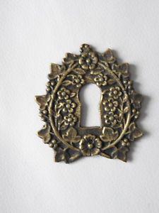 Ancienne plaque de porte en bronze rosace entrée de serrure