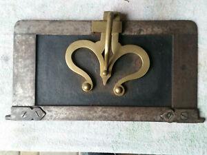 Ancienne porte de four à pain en fer et en laiton w