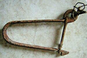 Crochet de puits ancien fer forgé déco rare brocante art