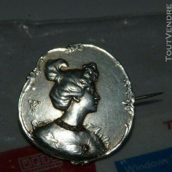 Broche art nouveau signée en argent et pierre