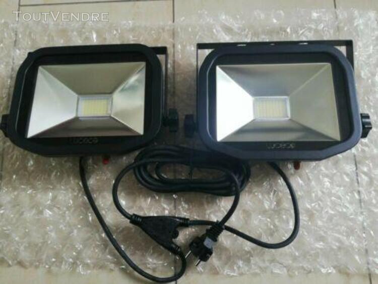 Luceco lswt218br3-e2 projecteur led ip65, classe d'efficac