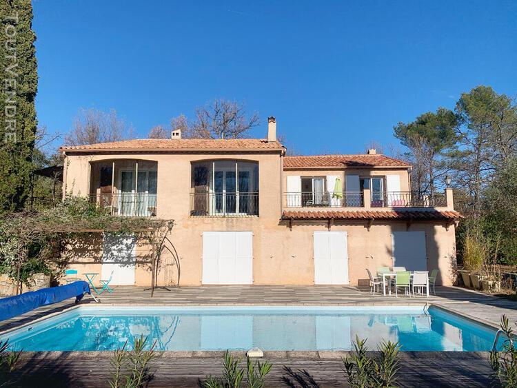 Draguignan a vendre villa traditionnelle de 254 m2 avec pisc