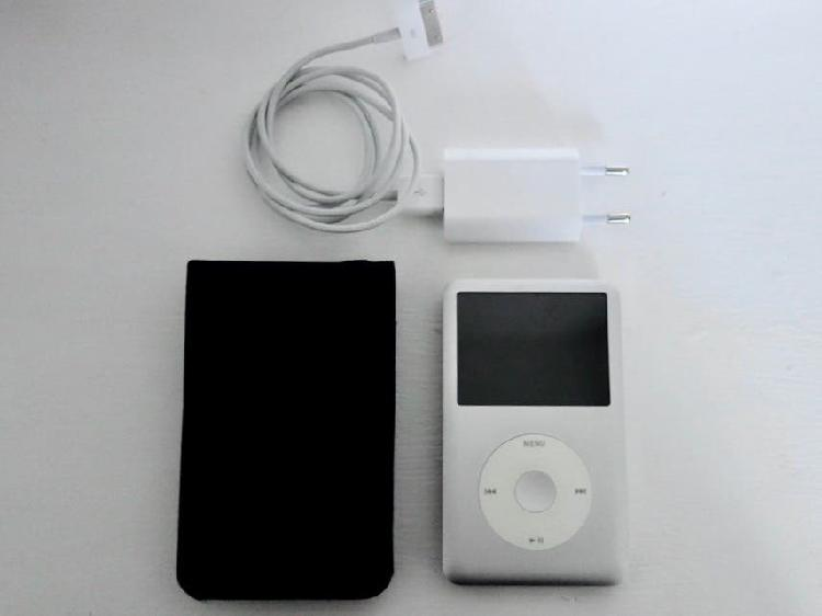 ipod classic 120go + housse + chargeur