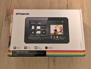 Tablette polaroid neuve, jamais utilisée. noire.