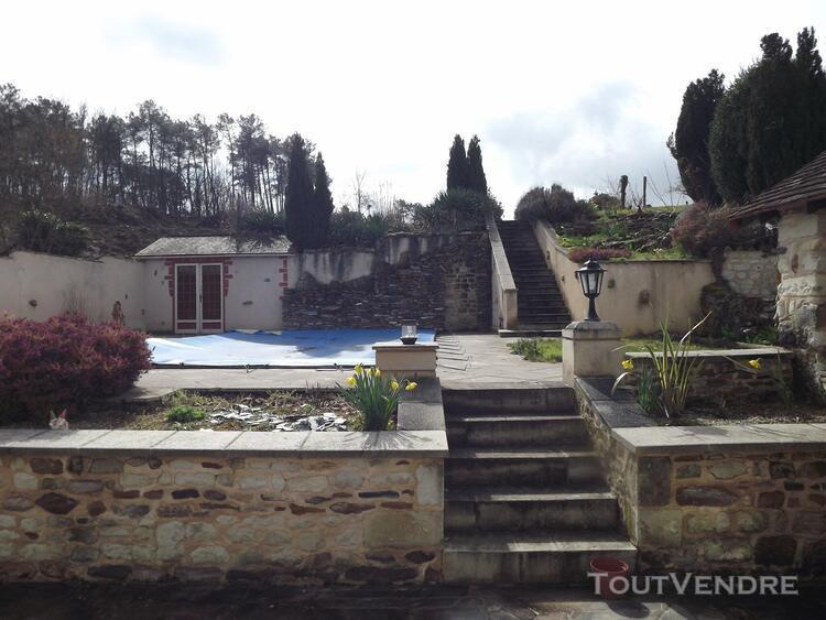 Marigny brizay, ensemble immobilier composée de 3 maisons