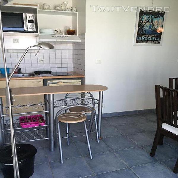 Studio meublé en location à l'année à la rochelle aux