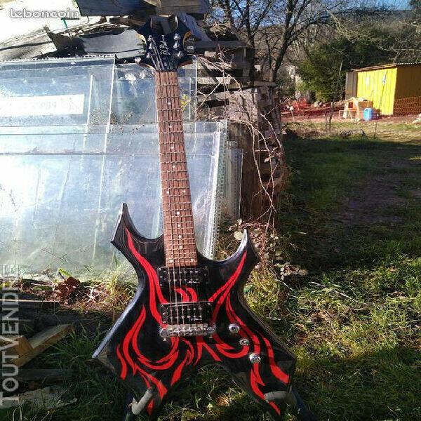Bc rich warlock kkw guitare electrique noir et rouge flamme