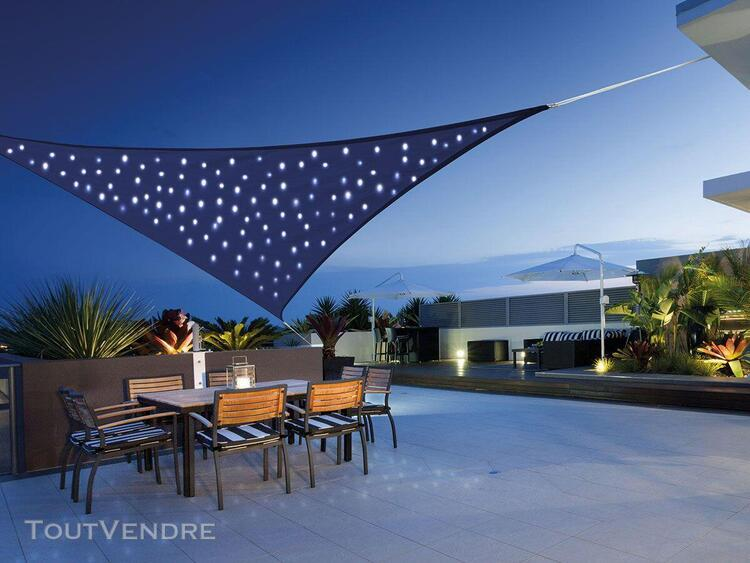 voile d'ombrage triangulaire 100 leds 3,60 x 3,60 x 3,60 m -