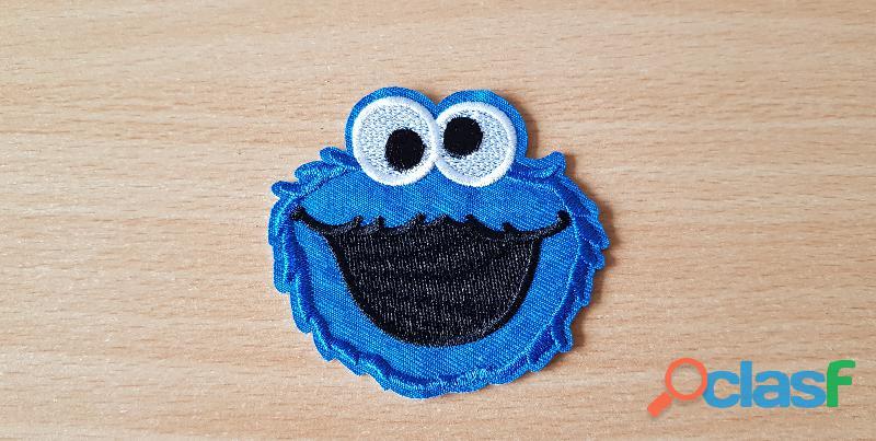 ecusson brodé 1 rue sésame macaron le glouton cookie monster 6,5x6,5 cm thermocollant