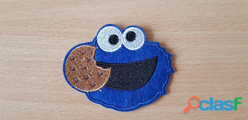 ecusson brodé 1 rue sésame macaron le glouton monster cookies 7,5x6 cm thermocollant