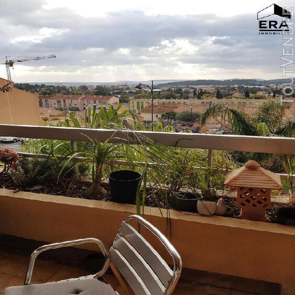 location a l'annee: appartement 2 pièces avec terrasse ape