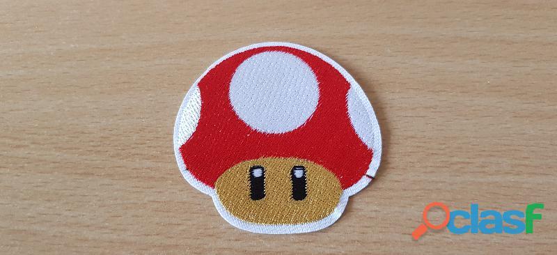 Écusson brodé logo champignon mario bros rouge 6x6 cm thermocollant, pas besoin de couture