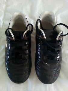 Crampons chaussures de football pointure 31 kispta bon état