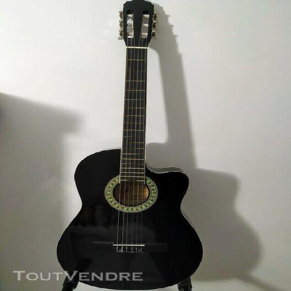 Guitare classique electro acoustique 4/4 harley benton + acc