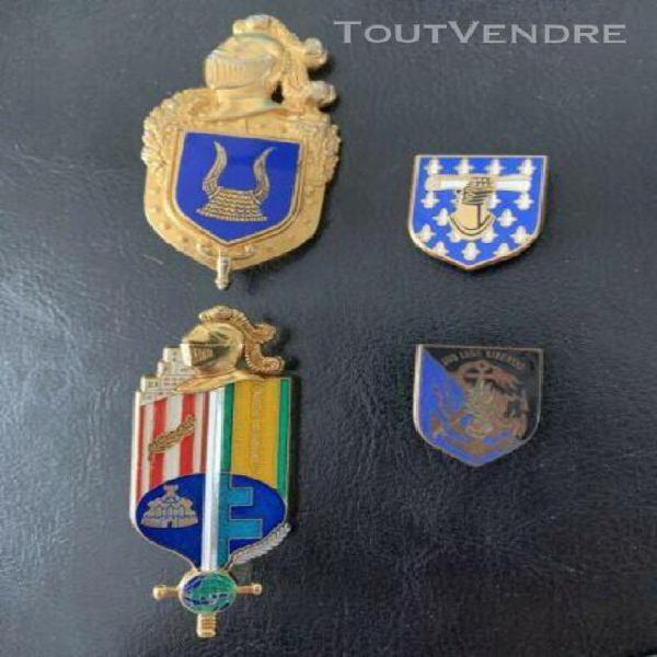 Lot d'insignes métalliques gendarmerie