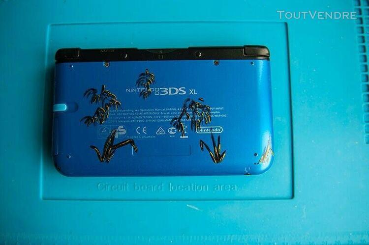 Nintendo 3ds xl bleue avec jeux.très bon état.