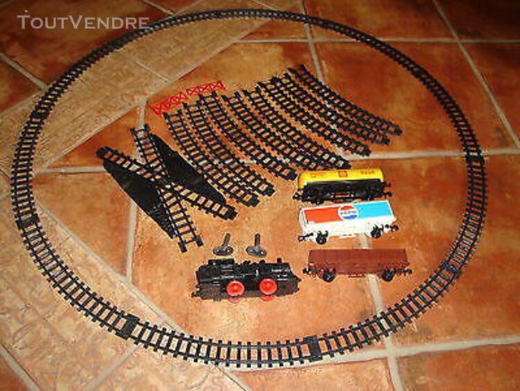 Train mecanique lima crick 8 en etat de marche et en tres bo