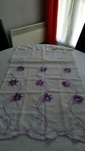 Paire de rideaux a pattes blancs fleurs mauves