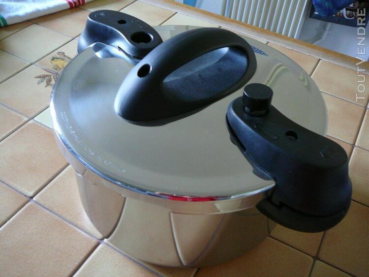 Autocuiseur sitra forza 6 litres - etat neuf (valeur 89 euro