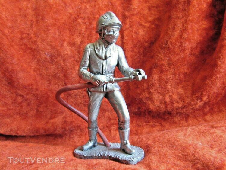Figurine pompier les etains du prince casque f2