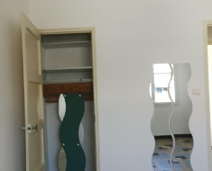 Toulon bel f3 dernier étage avec terrasse