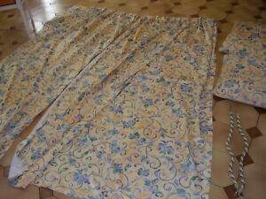 Paire de double rideaux + coussins