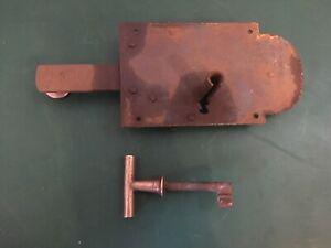 Ancienne serrure fer forgé avec clef fonctionne porte