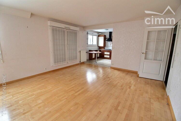 Appartement t4 en duplex - noyal-châtillon-sur-seiche