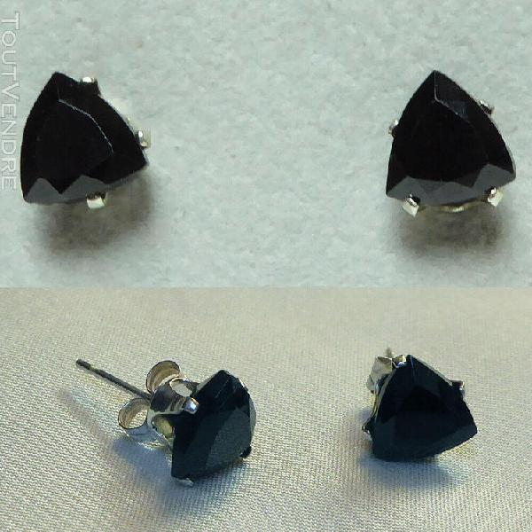 Belles boucles d'oreille spinelle noirs taillés en