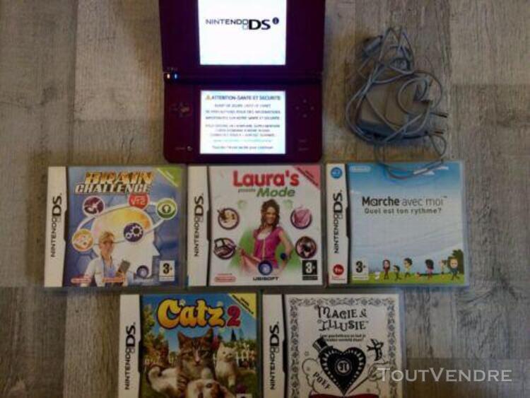 Nintendo dsi xl avec 5 jeux et chargeur