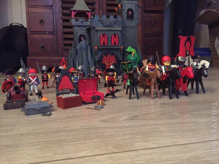 Playmobil forteresse 3269 + 3319 -nombreux personnages et ac