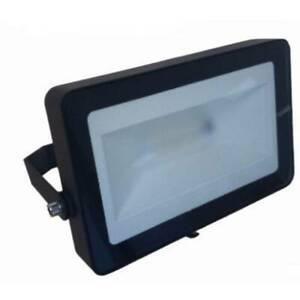 Projecteur led extérieur 10 w 1x led intégrée rvbb