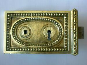 Ancienne serrure en bronze poignee porte fenetre chateau