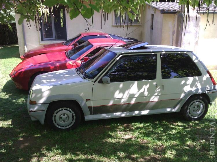 Trois véhicules sport
