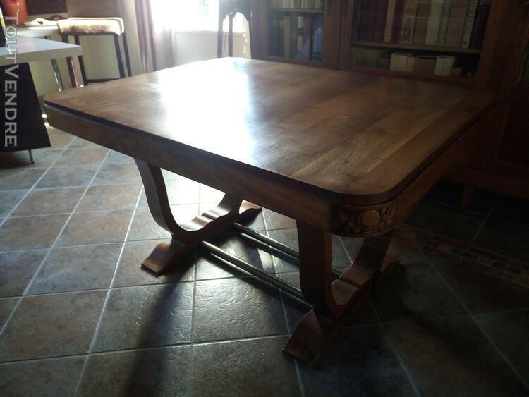 Table en bois de 6 à 12 couverts