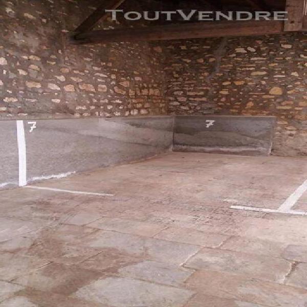 place de parking dans garage collectif