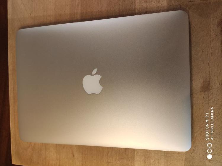 Macbook air (13 pouces, début 2014) neuf, toulouse (31000)