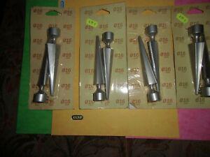 Destocakge 4 paquets 2 pointes grises pour barre rideaux