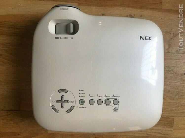 Retroprojecteur nec vt470 avec télécommande ampoule neuve