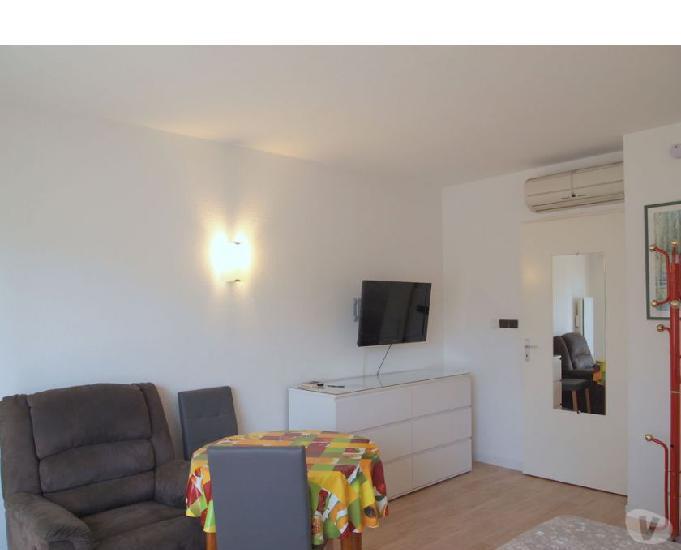 A louer appartement de 22 m2 avec picsine