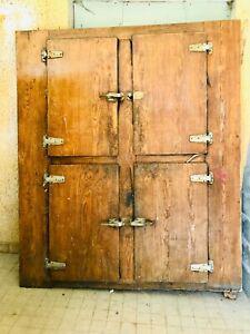 Ancienne porte de chambre froide