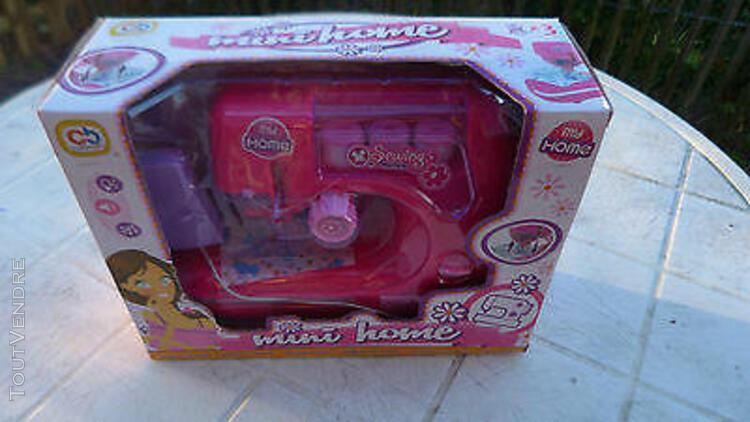 Machine a coudre 3-5 ans mini home color baby comme neuve
