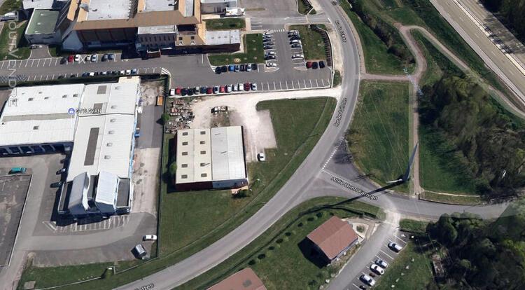 Local activité - entrepôt - 160 m2