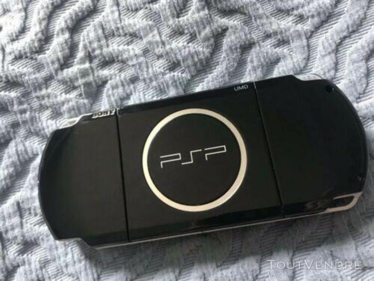 Psp 3004 + 6 jeux + 1 film + accessoires