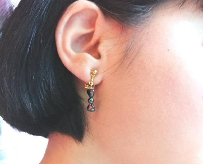 Boucles d'oreille clips dorés avec des perles d'hématite
