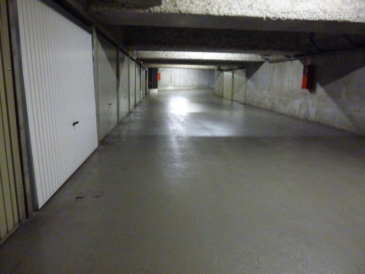 Lyon 4 - location garage box fermé sécurisé.