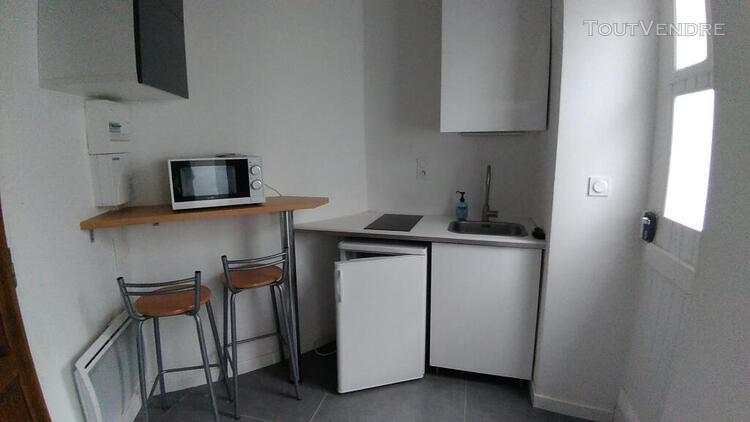 Location studio neuf + mezzanine meuble centre bas des lices