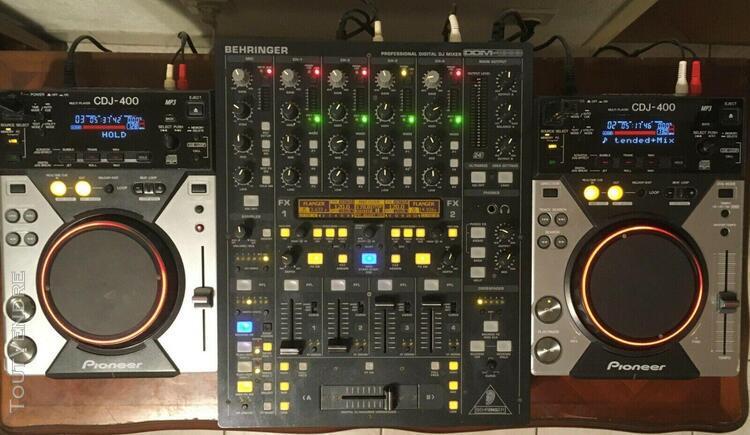 2 platines pioneer cdj 400 + table ddm 4000 5 canaux + casqu