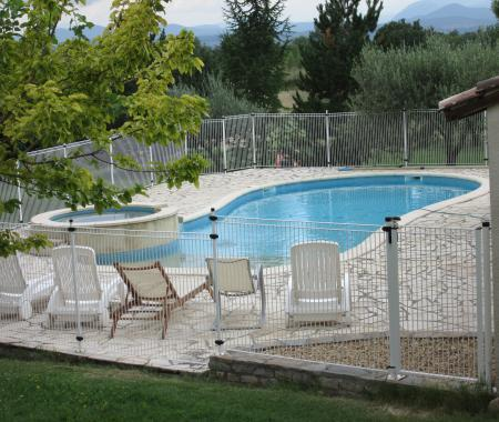 Maison gard 8p piscine jacuzzi animaux acceptés - gîte